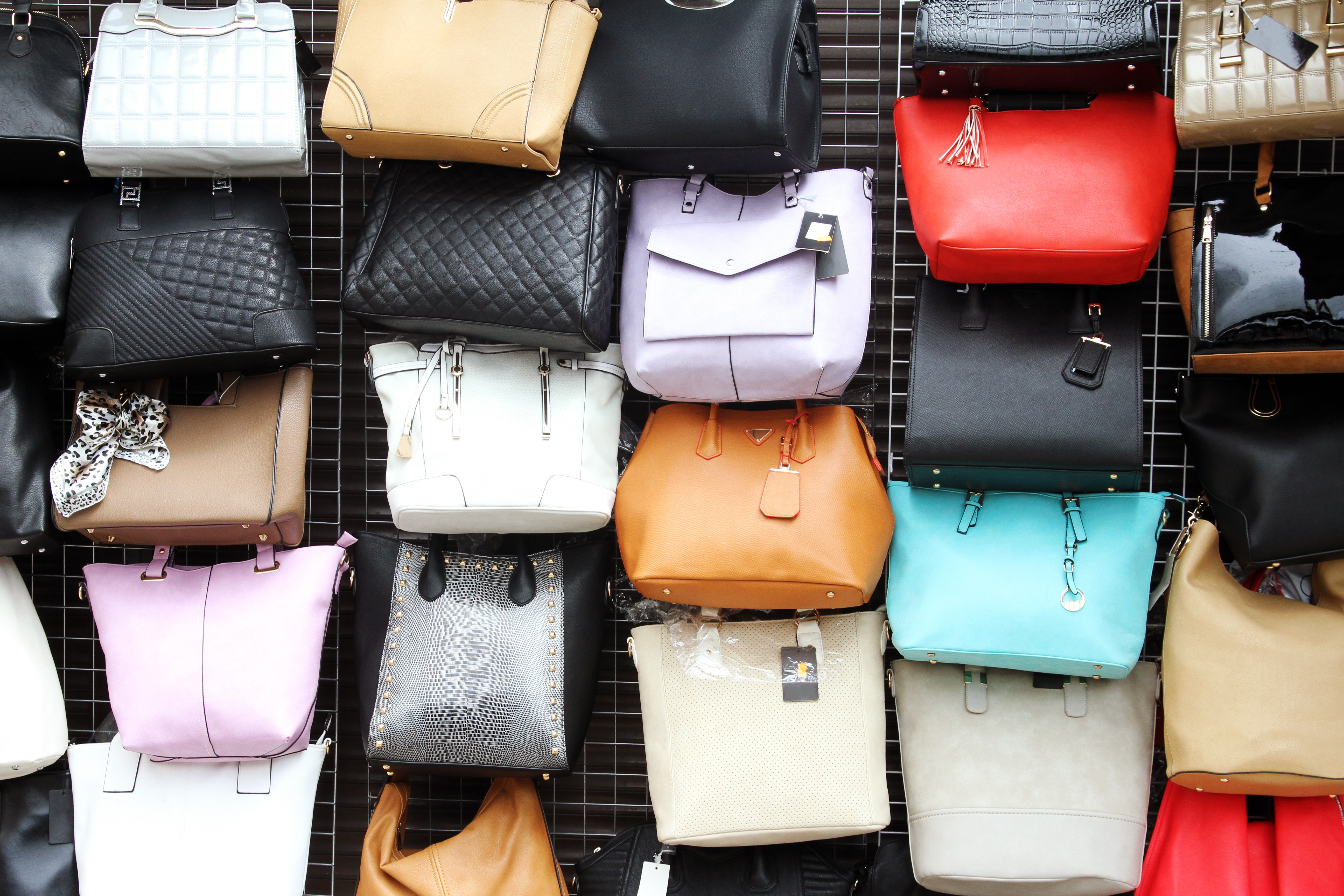 designer duplicates 5 tips for avoiding a counterfeit bag checkworks. Black Bedroom Furniture Sets. Home Design Ideas
